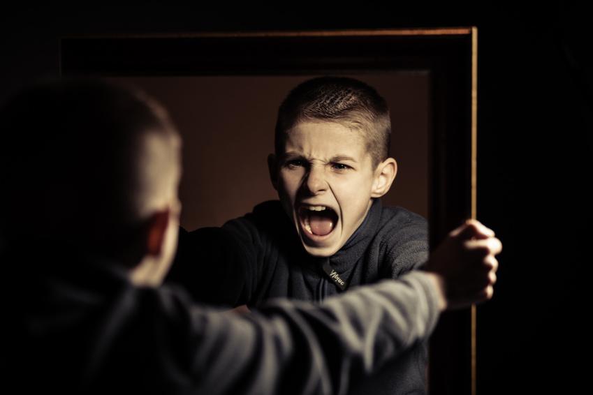 Hass resultiert immer aus Selbsthass und Selbsthass entwickelt sich aus nicht gelebter Wut